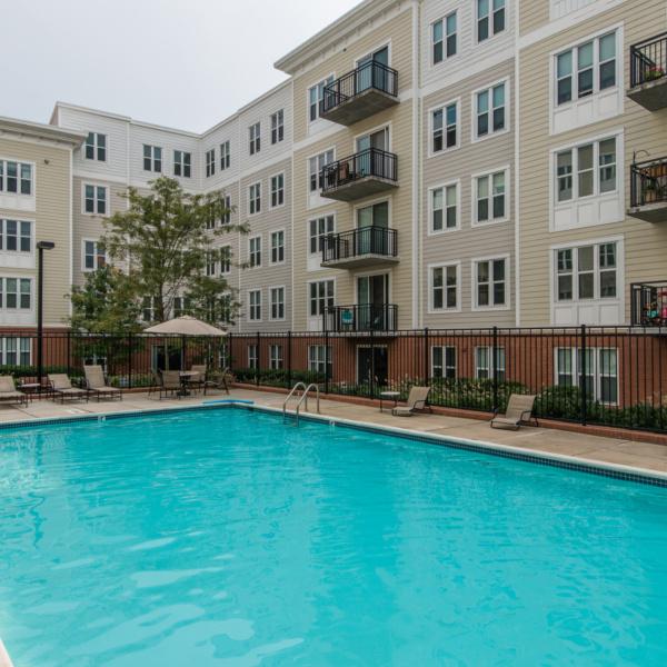 Fairfax Square Apartments: Corporate Housing Falls Church, VA