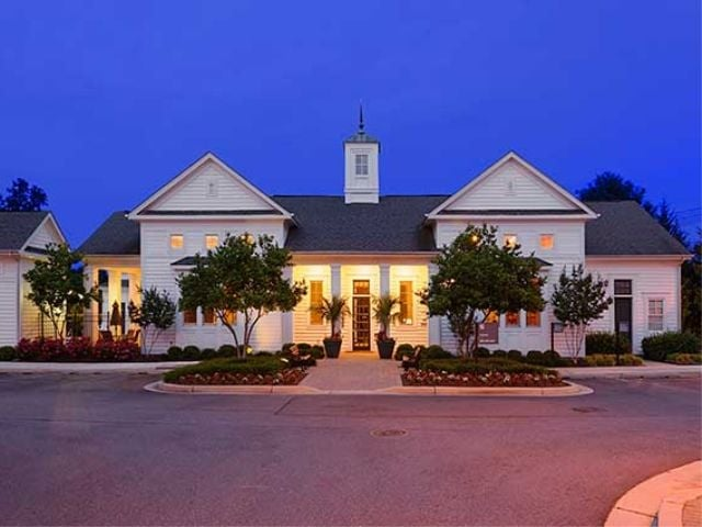 Avalon Russett Apartments In Laurel Corporate Housing Executive Dc Virginia Or Maryland